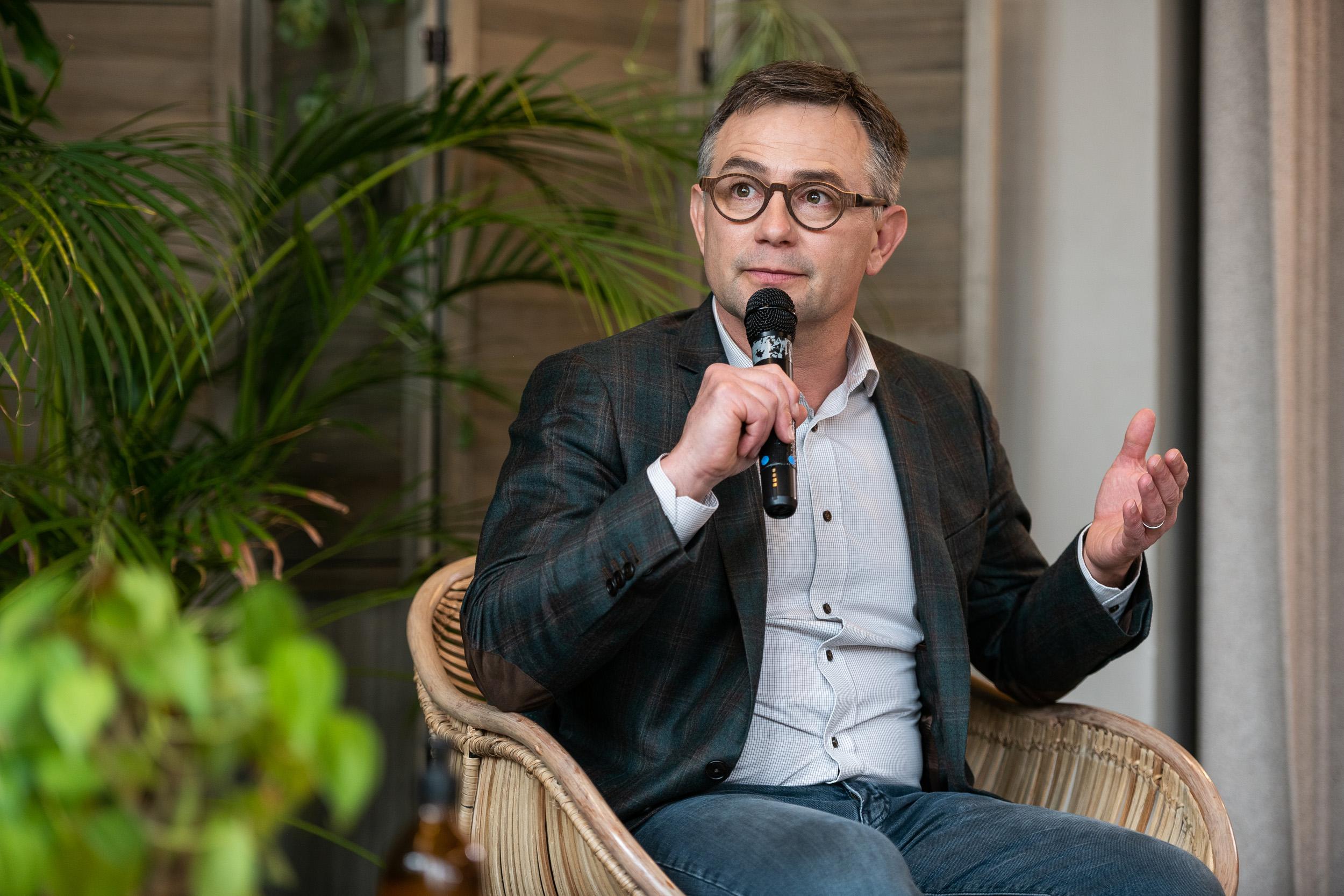 Lensman Michael MENIANE